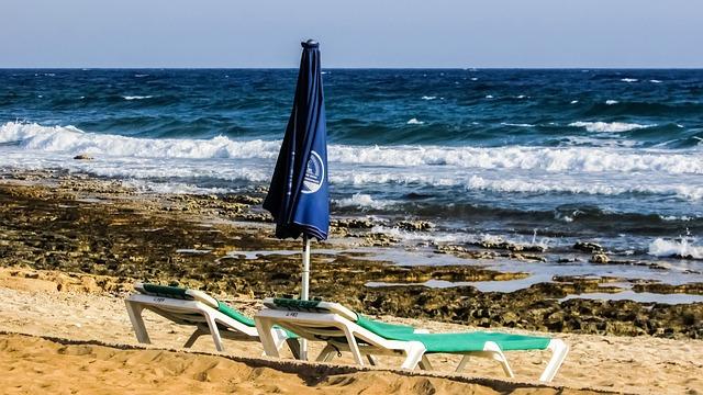 beach-1444653_640