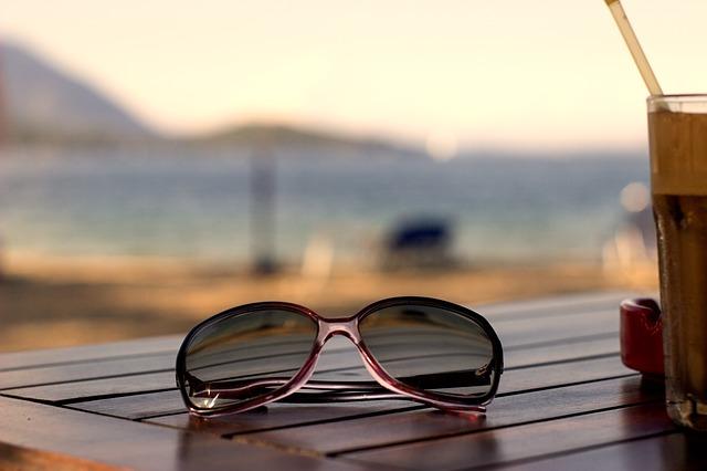Před nadměrným zářením je nutné chránit také oči.