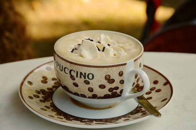 Proč nepít kávu na lačný žaludek?