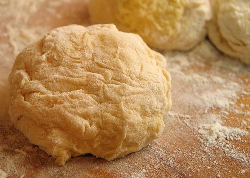 Pečivo s domácí pekárnou: Úspora nebo práce navíc?
