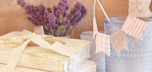 Shabby chic - romantické bydlení s něžnou dekorací