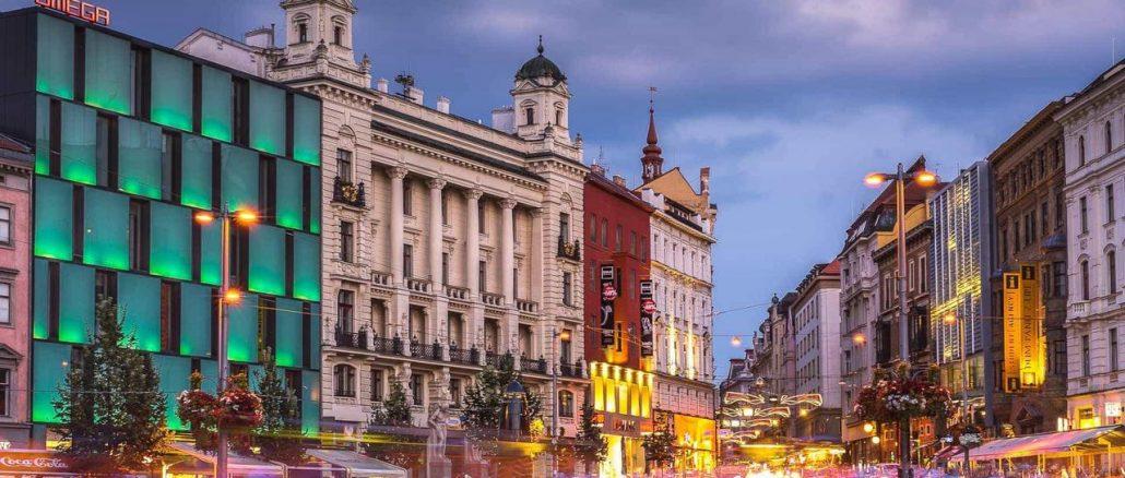 Byty v Brně k pronájmu jsou, ale vysoké činže si může dovolit čím dál méně lidí. 12 či 13 tisíc za průměrně velké 2+1 je tu už bohužel standardní cenou
