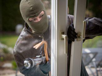 Jak ochránit dům před živly, vandaly a zloději?