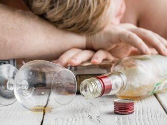 Alkohol jako celospolečenský problém. Lze se alkoholismu zbavit?